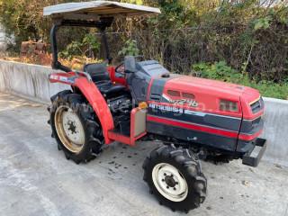 Mitsubishi MT246 Japanese Compact Tractor (1)