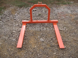 Pallet fork for Japanese compact tractors, Komondor RV-300 (1)