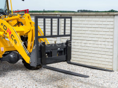 Force wheel loader pallet fork attachment - Implements -